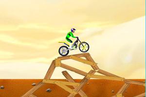 《摩托技巧之沙漠飞扬》游戏画面1