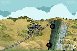《摩托特技越野赛》游戏画面10