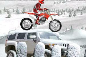 《冰山雪地摩托车》游戏画面8