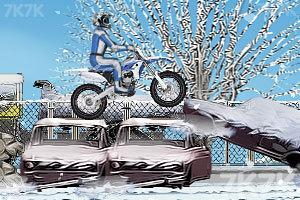 《冬季特技摩托》游戏画面1