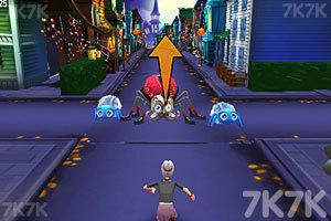 《愤怒奶奶玩跑酷万圣节版》游戏画面4