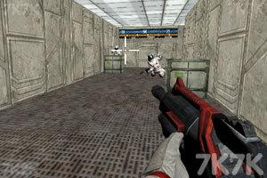 《外太空基地战斗》游戏画面1
