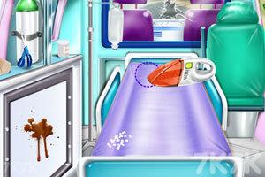 《护士清洁救护车》游戏画面2