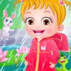 可爱宝贝雨天玩耍